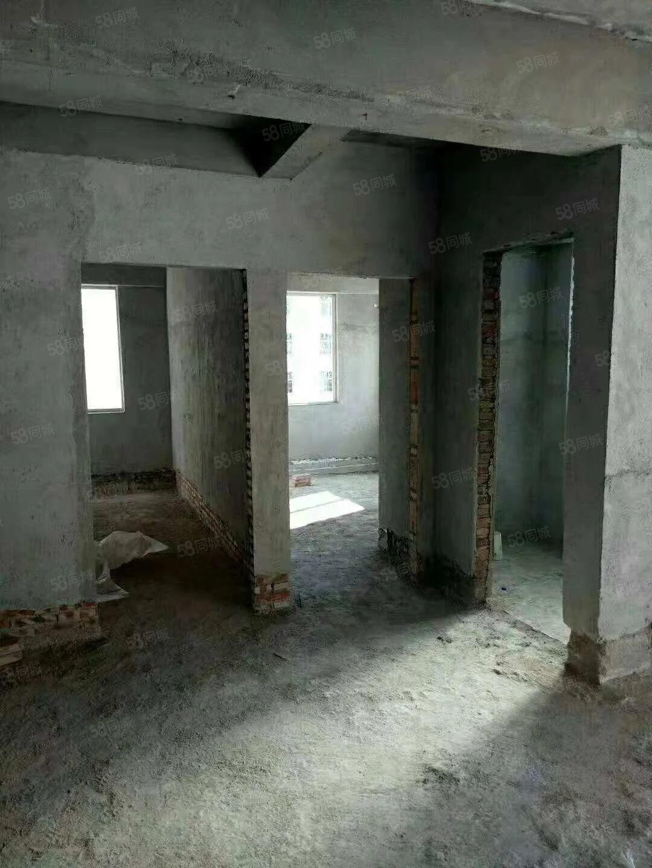 金岗商业城毛坯电梯房,面积152.5平米,四房两厅两卫两卫。