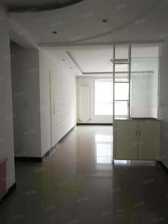 九天莊園多層金三樓,湖景房,添置部分家具即可入住,隨時看房