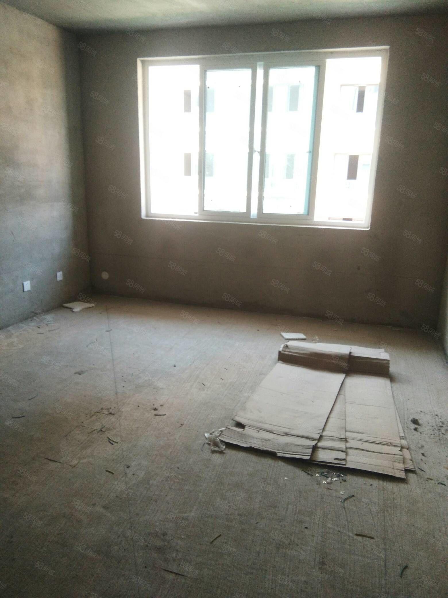 紫薇水岸 多层两室带车库 随意装修 可分期 仅售59万