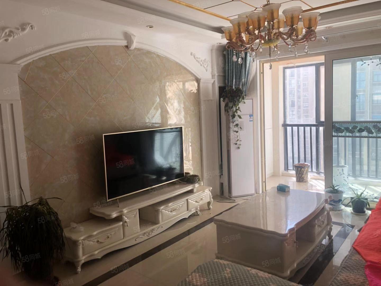 名门尚居精装三室出售楼层好户型好小区环境优越