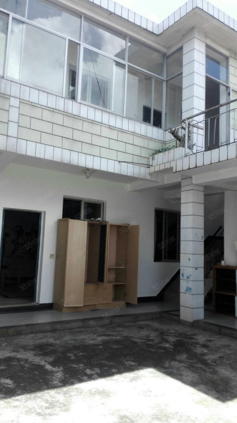 老街子,新四中旁边,自家房子,有大阳台还有车库可以办公住人