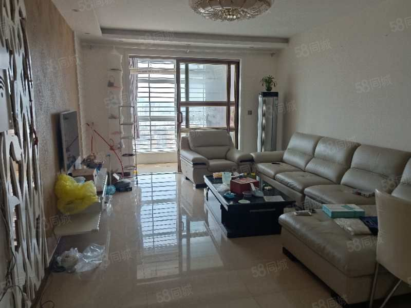 双片区沙田锦绣天地22楼121平3室精装无税可贷款实地看房
