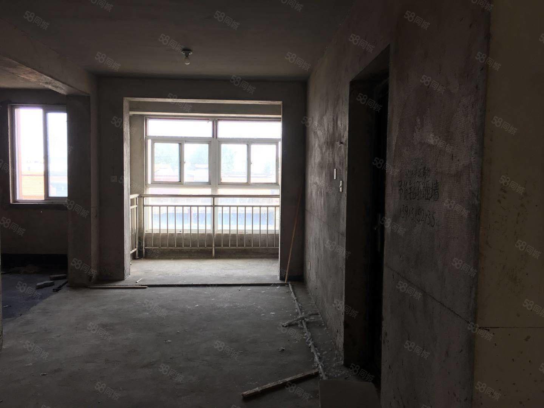 天湖豪庭3楼毛坯121平南北通透双阳台带大露台送车库