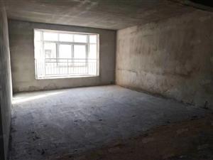 性价比高的房源来了,户型好,采光好,送大面积的客厅