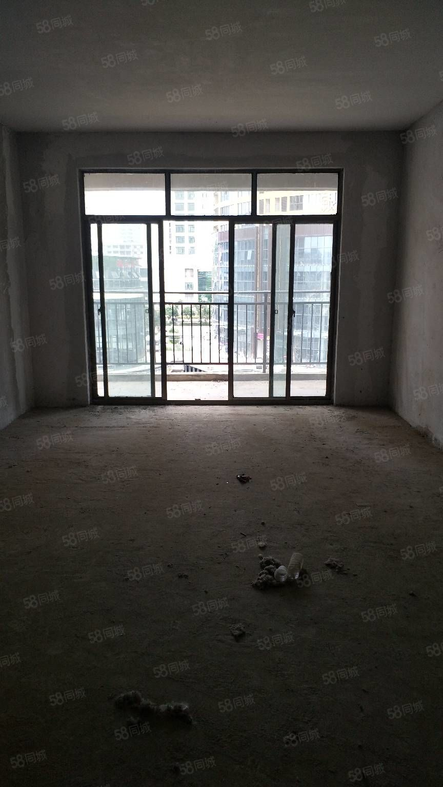 阳光城3室2厅2卫急卖,可以分期付款,毛坯房