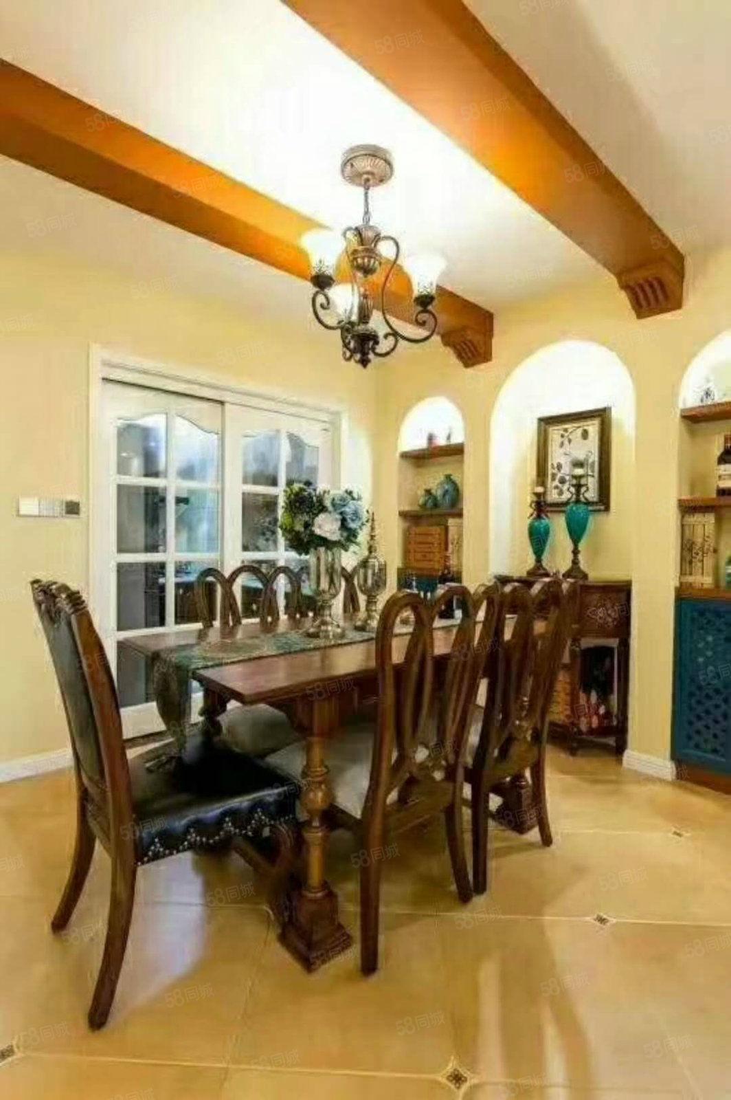 小区环境优雅,室内采光好,出行,购物方便。