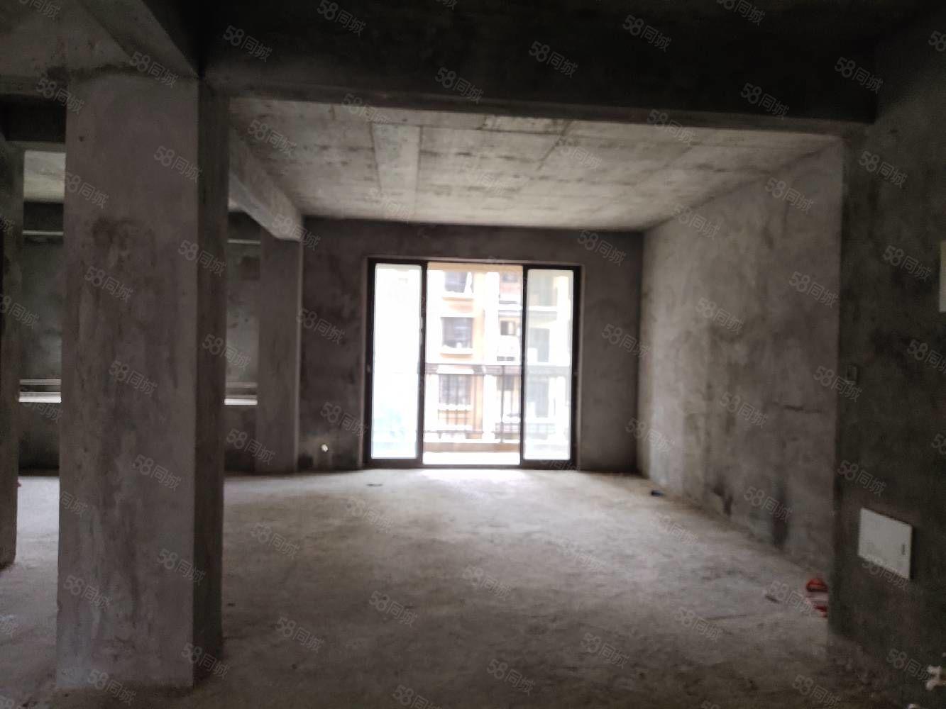 红都国际城毛坯三房南北通透送两个露台看房方便
