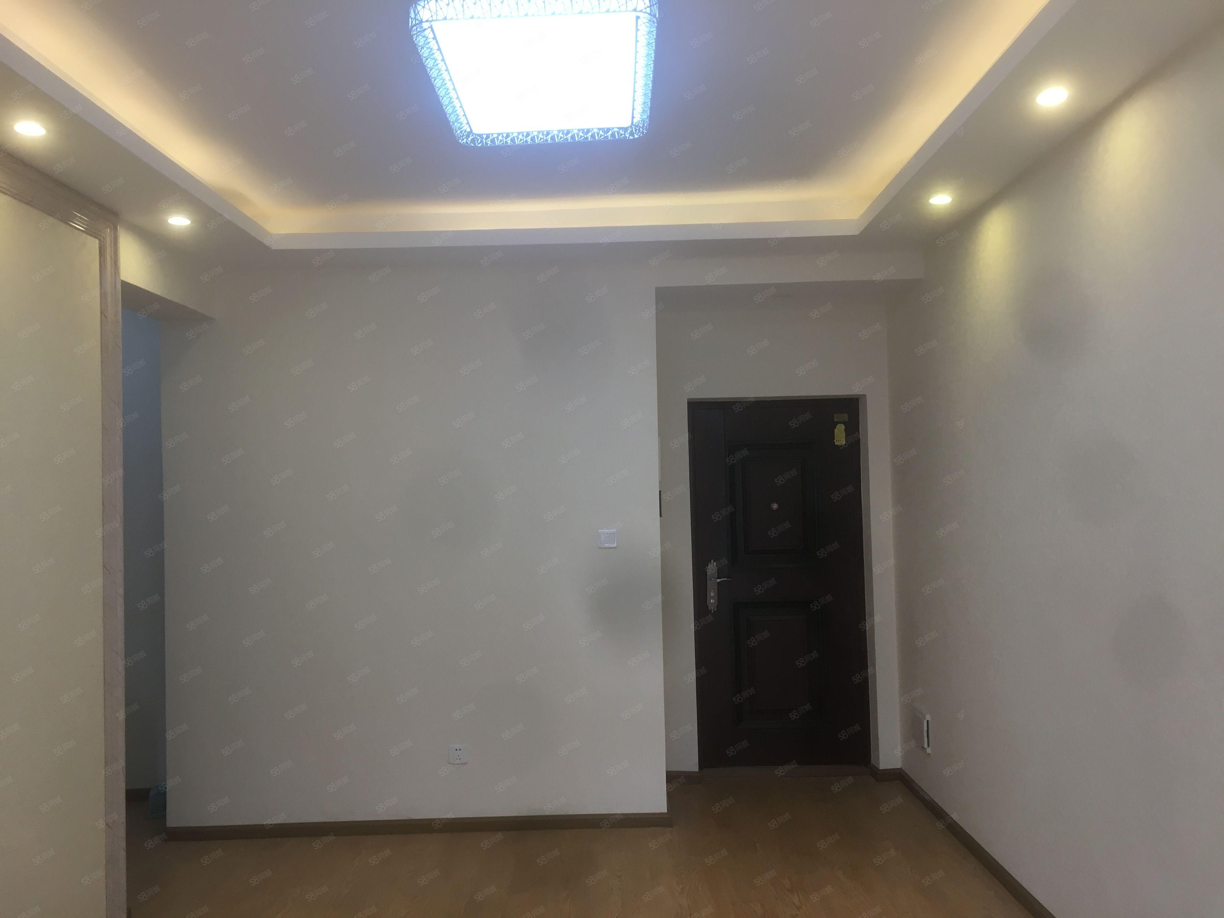 亚汇桂圆小户型一室一厅一厨一卫送两个阳台景观好得房率高