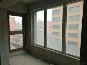 山水花园电梯房5楼
