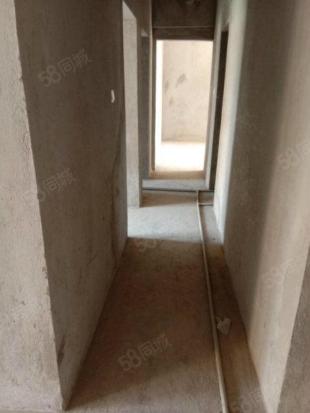 万达景苑6楼电梯送了面积10个平方