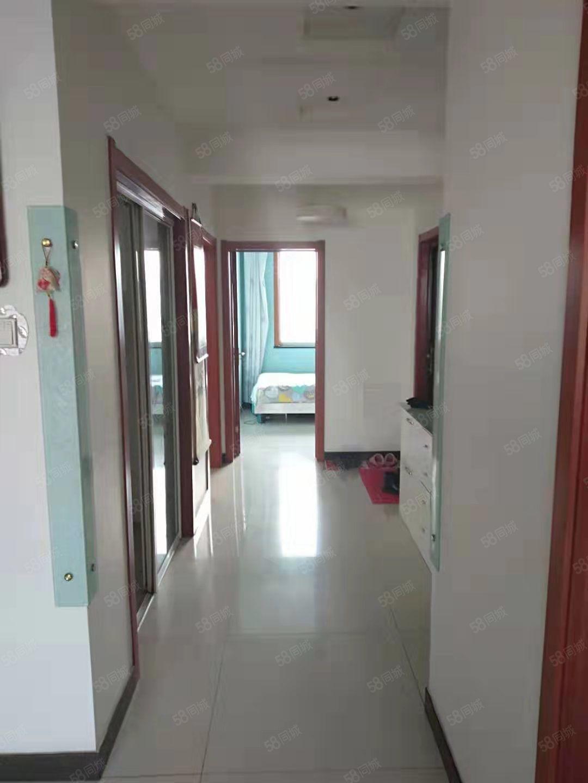 祥悦城精装修楼房shou次出租家具齐全一年一万四要求素质住户