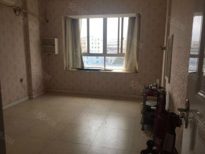 章家新区套房3室2厅2卫
