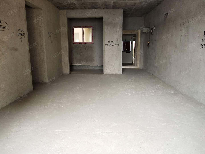南岳清水湾纯毛坯三室两厅,花园式小区,业主亏本急售