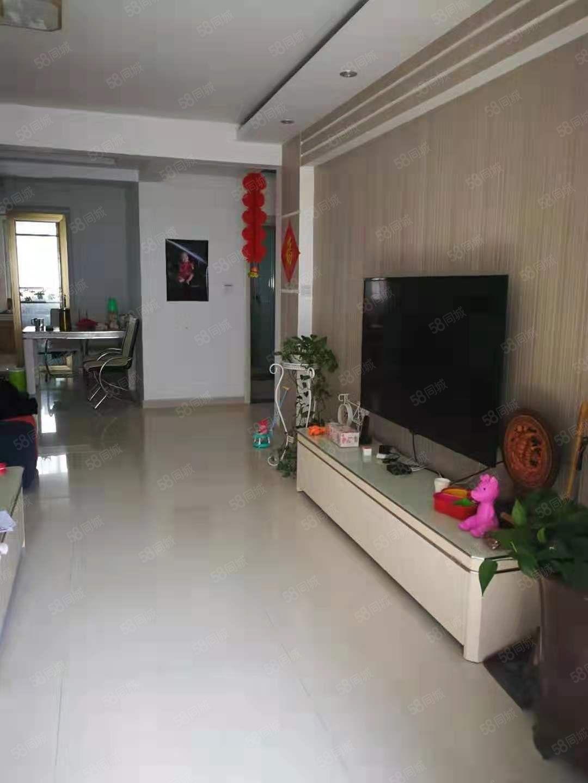 银座花园3楼,精装房,有储藏室,利津一校,诚心出售,看房方便