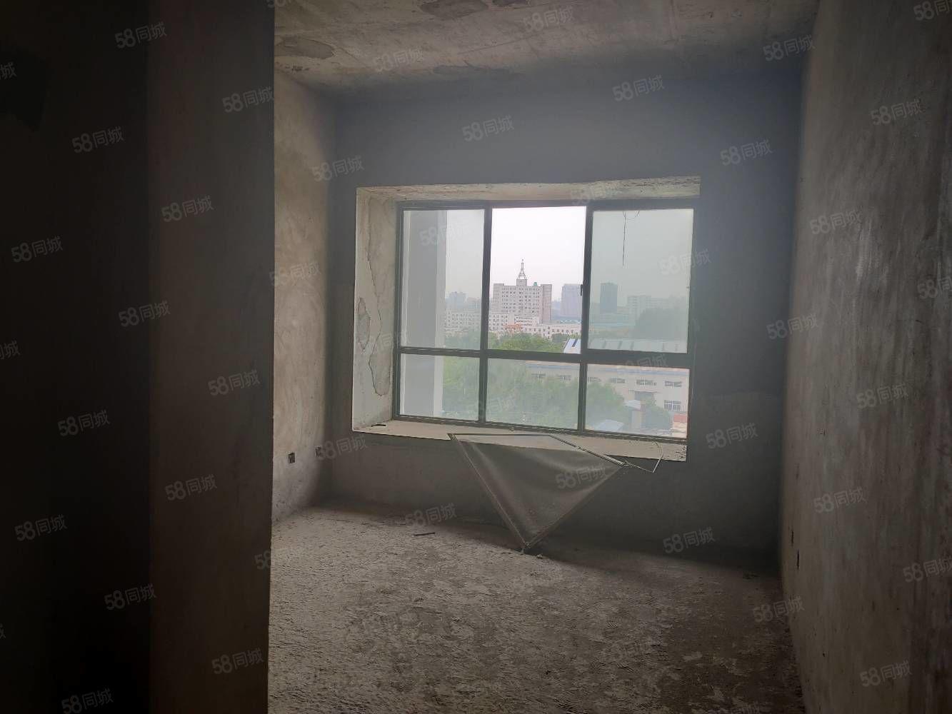 友邦電力小區電梯七樓三室兩廳兩衛毛坯隨意裝修