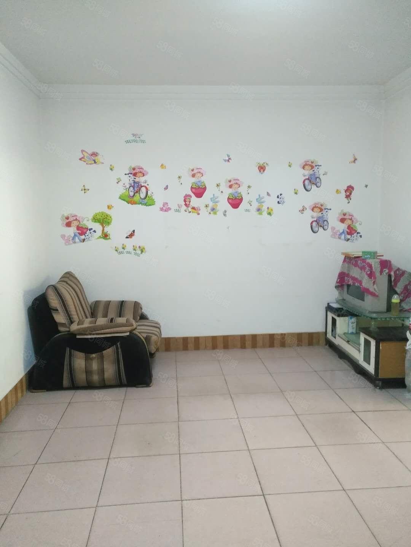 青龙路教师小区多层2楼,2室简装66平26万