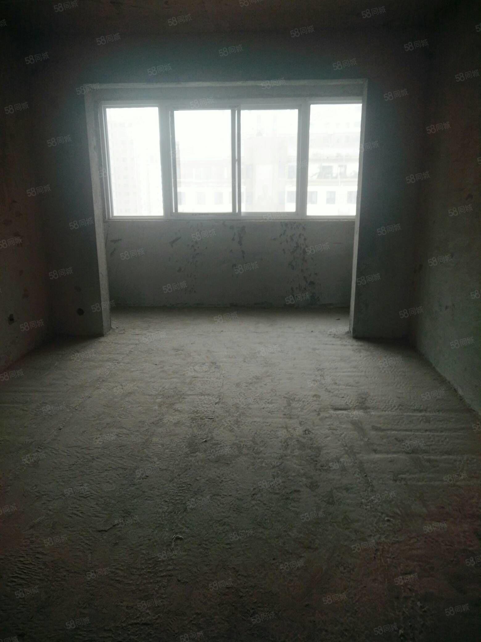 天韵阁12楼毛坯三室两厅两卫马上下证