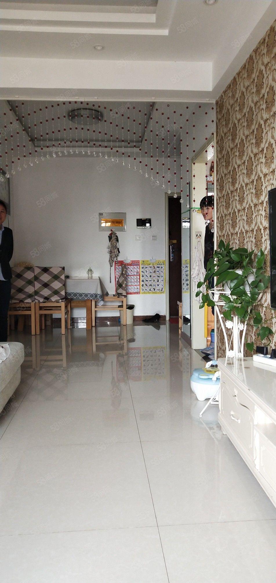 锦绣御珑湾小高精装两室楼层好客厅通阳台近龙河湾