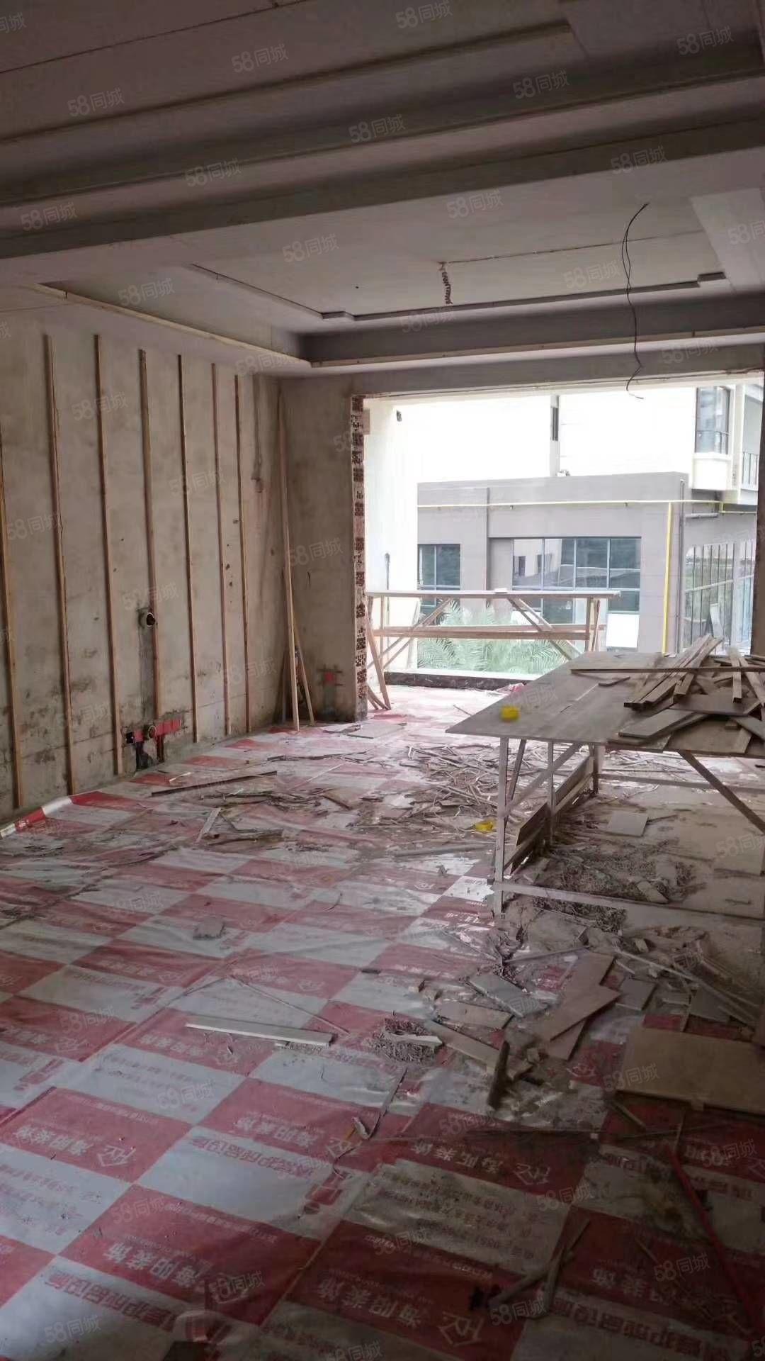 上海路常青藤3房出售,戶型方正,小區環境好,同濟學期房