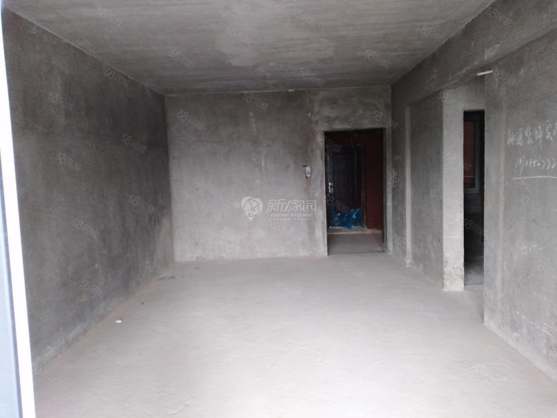 川硐麒龙国际会展城105平3室1卫毛坯现房产权齐全可按揭