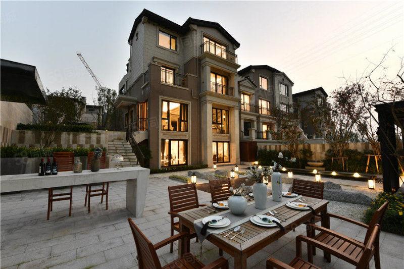 遂宁唯一纯别墅群业主的高端圈层中心独立高尔夫球练习场