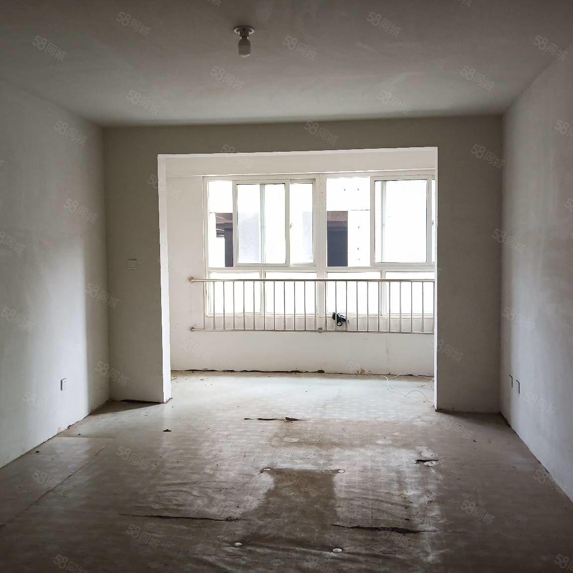周楼佳苑3室,毛坯,7500平上房费已交,送储藏室,包更名