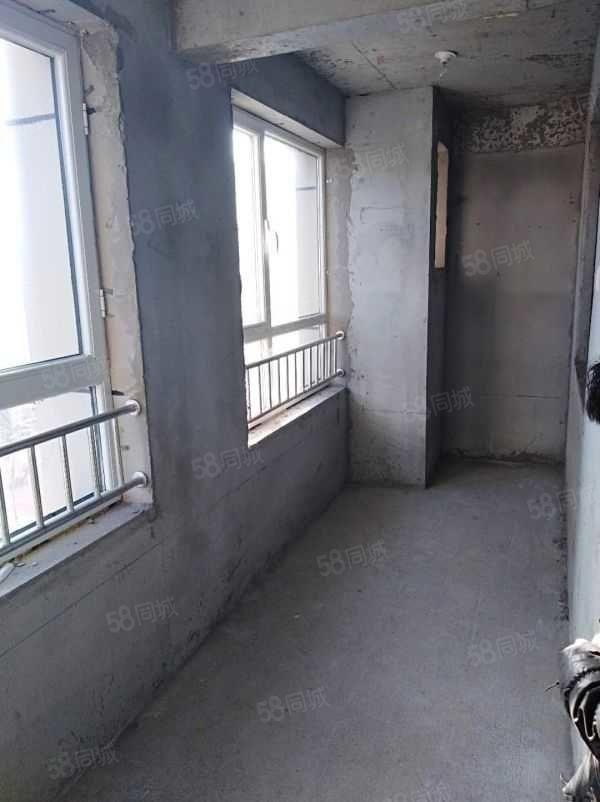金港华府2楼114平3室2厅,一手合同可分期3980一平!