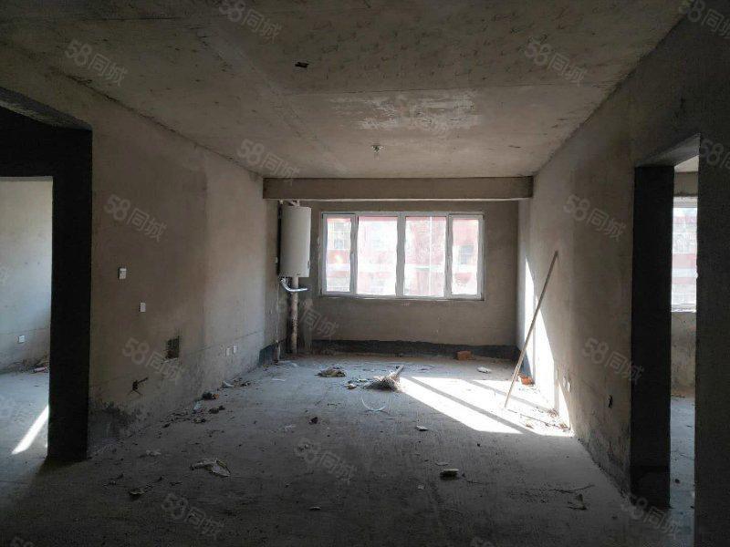 东城国际紧凑三室南北通透可按揭随时看房免过户