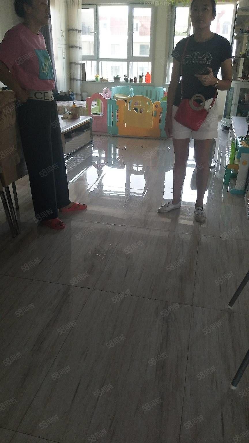 清水湾幸福风景九中对面贺兰山中路117平米三居室豪华装修急售