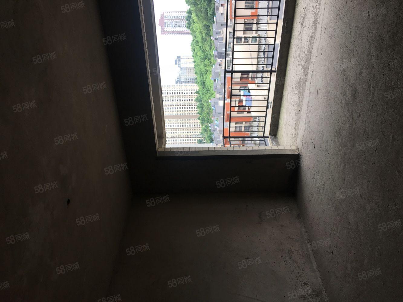 黔龙新城,电梯毛坯,错层结果好户型