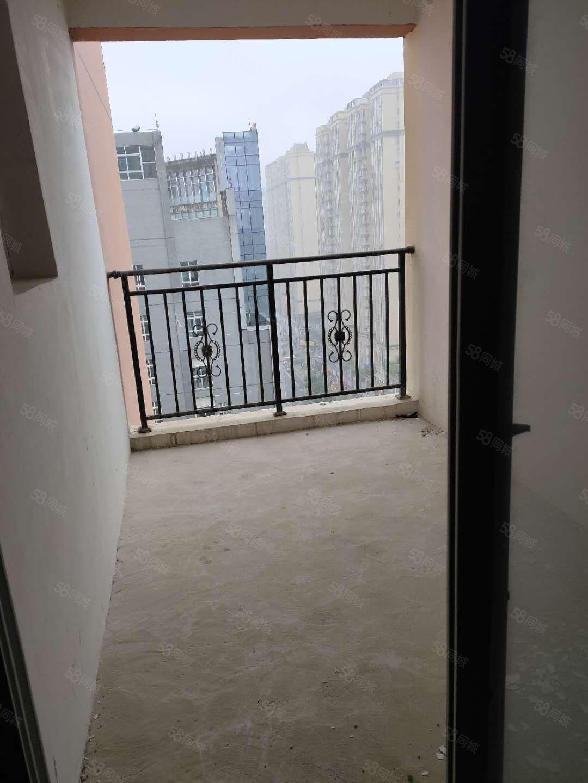 新一中学府雅苑电梯房114平3室毛坯可以按揭