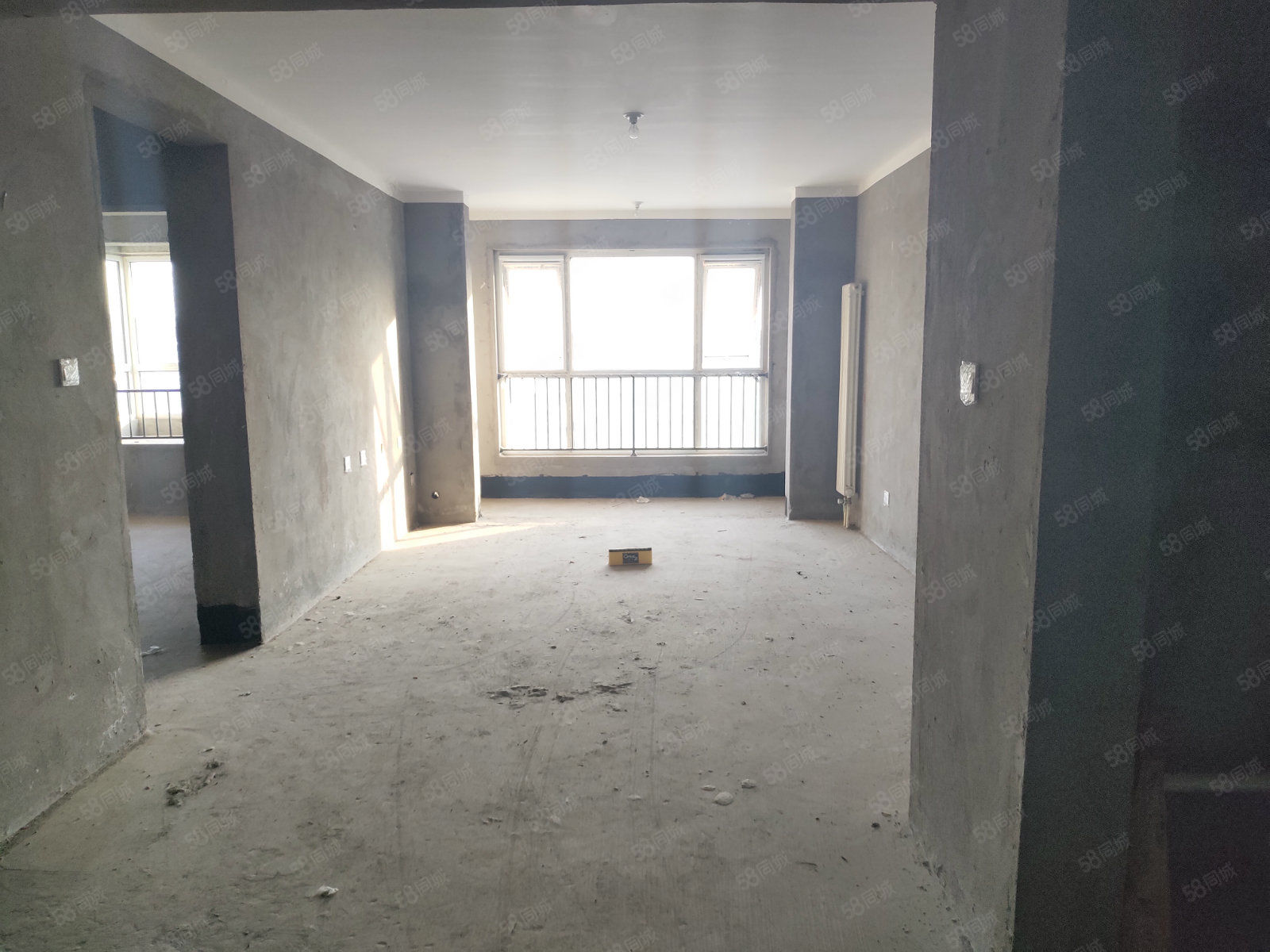 润丰锦尚地铁口经典纯南2房有房本契税满随时可过户