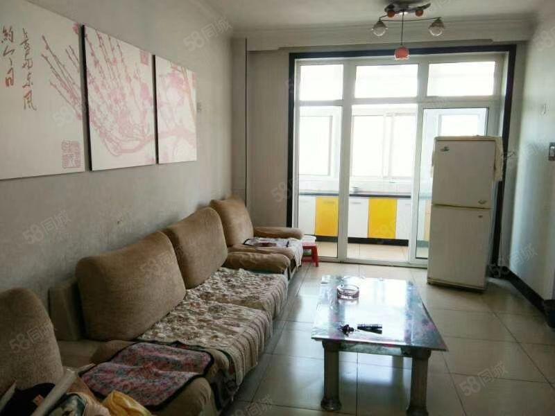 福馨�@一居室出租,�R上到期看房速度打��吧,家具都小姑娘住的