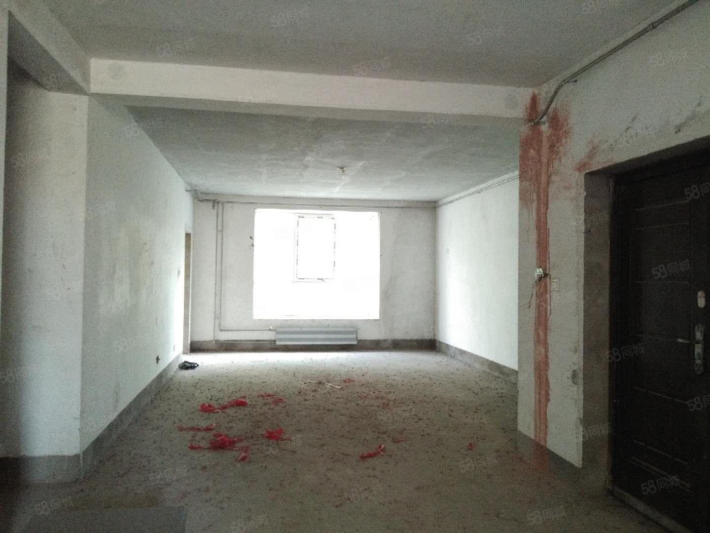 1楼1楼带院九天庄园4房户型方正房东诚意出售
