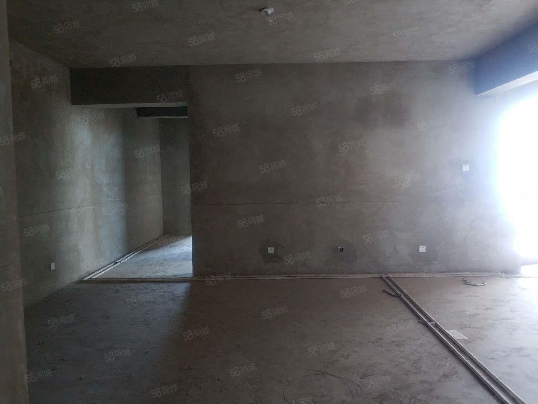 玉溪三小旁首付14万三房单价4900左右电梯房玉龙花园鸿瑞园