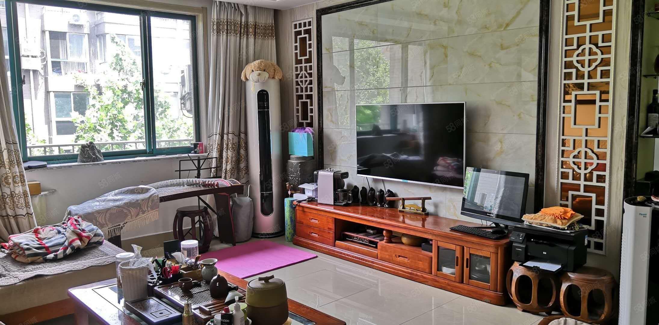 華宇國際,三居室126平,賣110萬,精裝車庫另算,看房方便