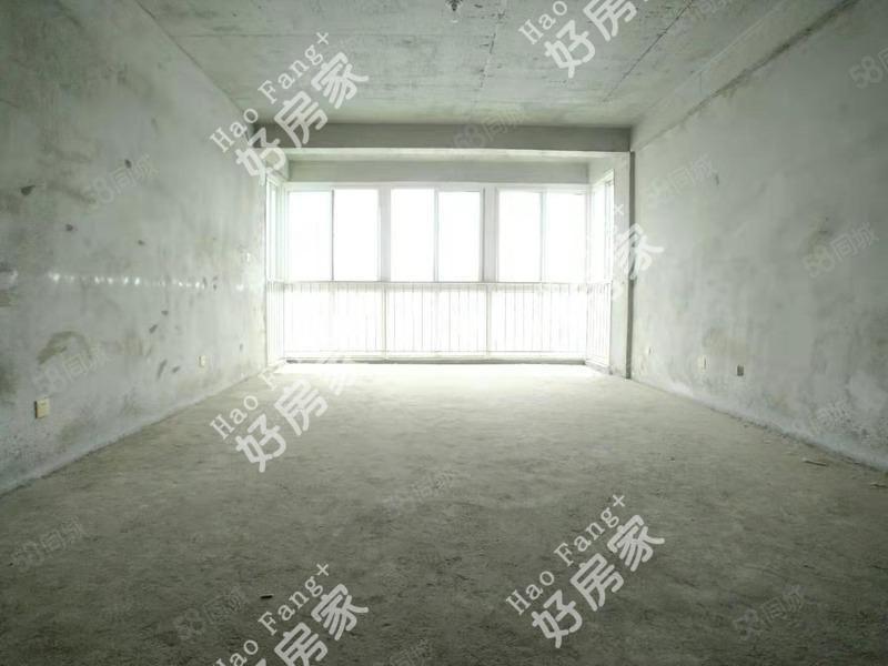 江边毛坯三居带中央空调户型正采光好可按揭看房方便
