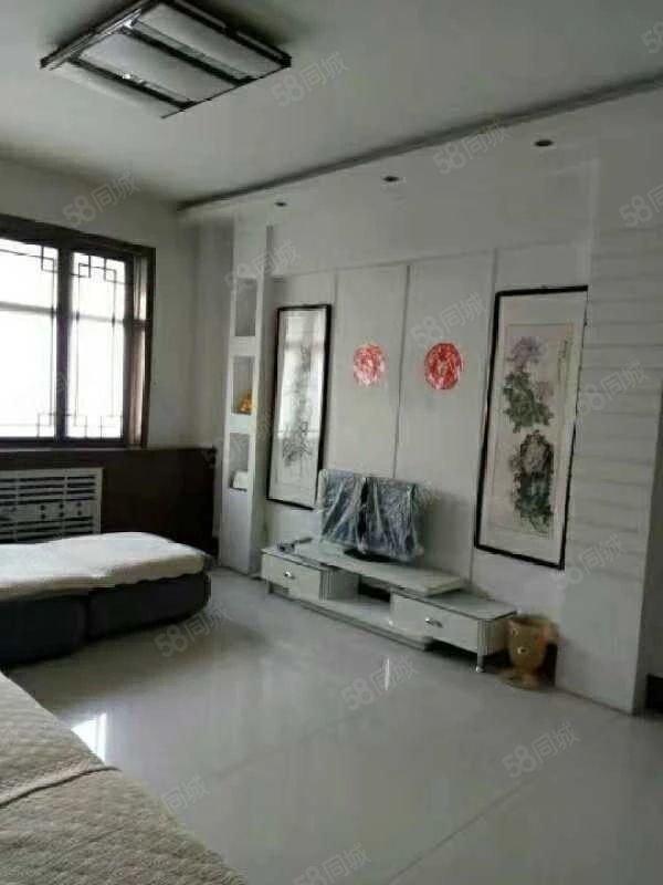 出售御景苑西新华书店3楼103平方3室2厅精装房,带家具家电