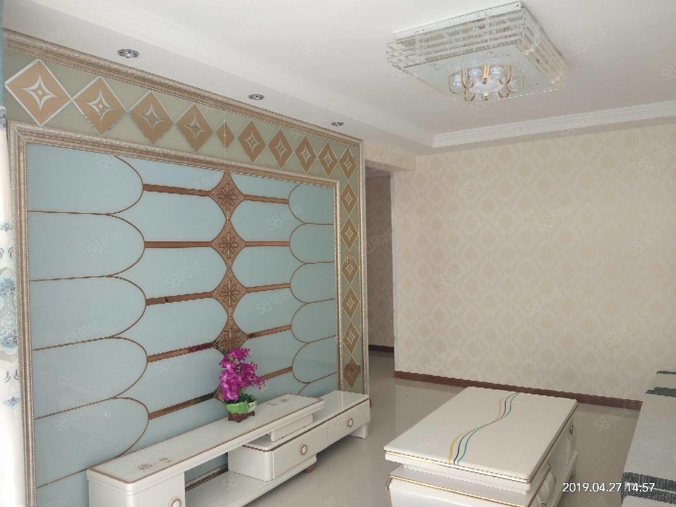 东关72平米2楼精装地暖带家具拎包入住