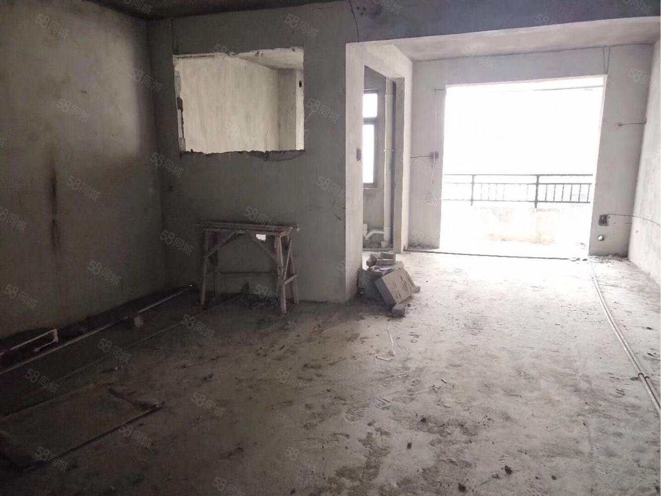 急卖宏洋凤凰城,单价7000,中间楼层双阳台,忍痛贱卖,机会