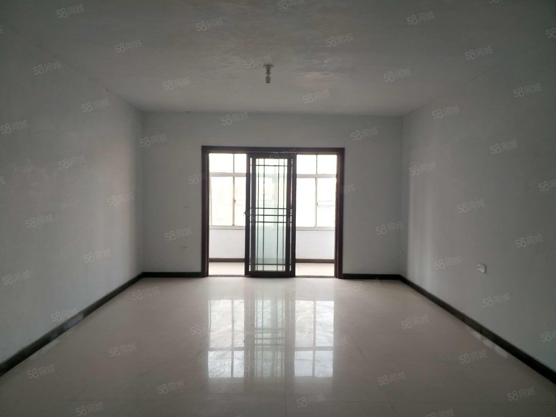 万顺达泰和城对面陈营三室两厅两卫可整租可合租随时看房
