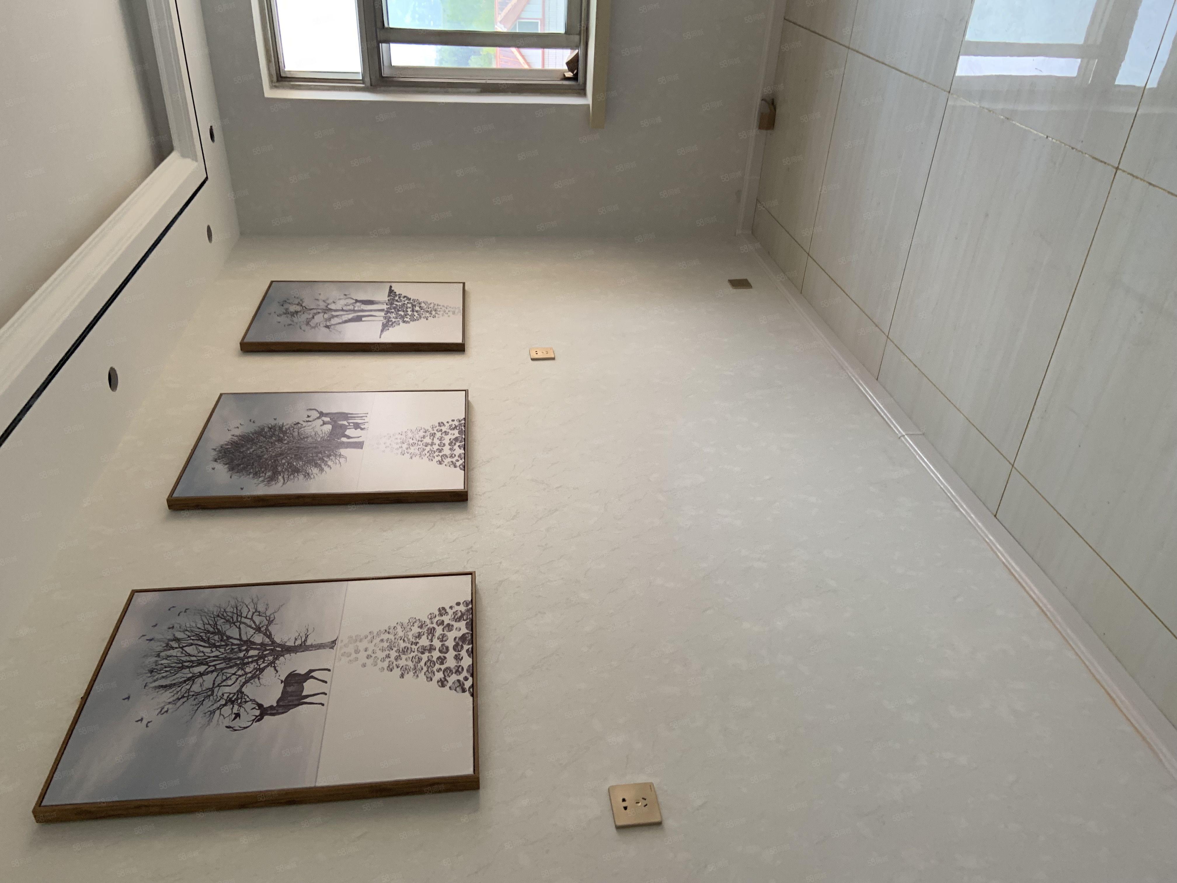 工商局家属院6加1的4楼三室朝阳精装修地暖带下房满五