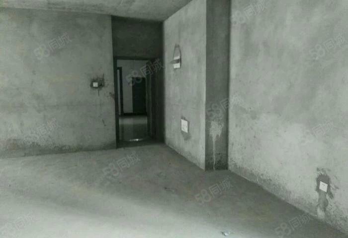 出售:天河瑞景三室两厅,103平方,首付30万左右