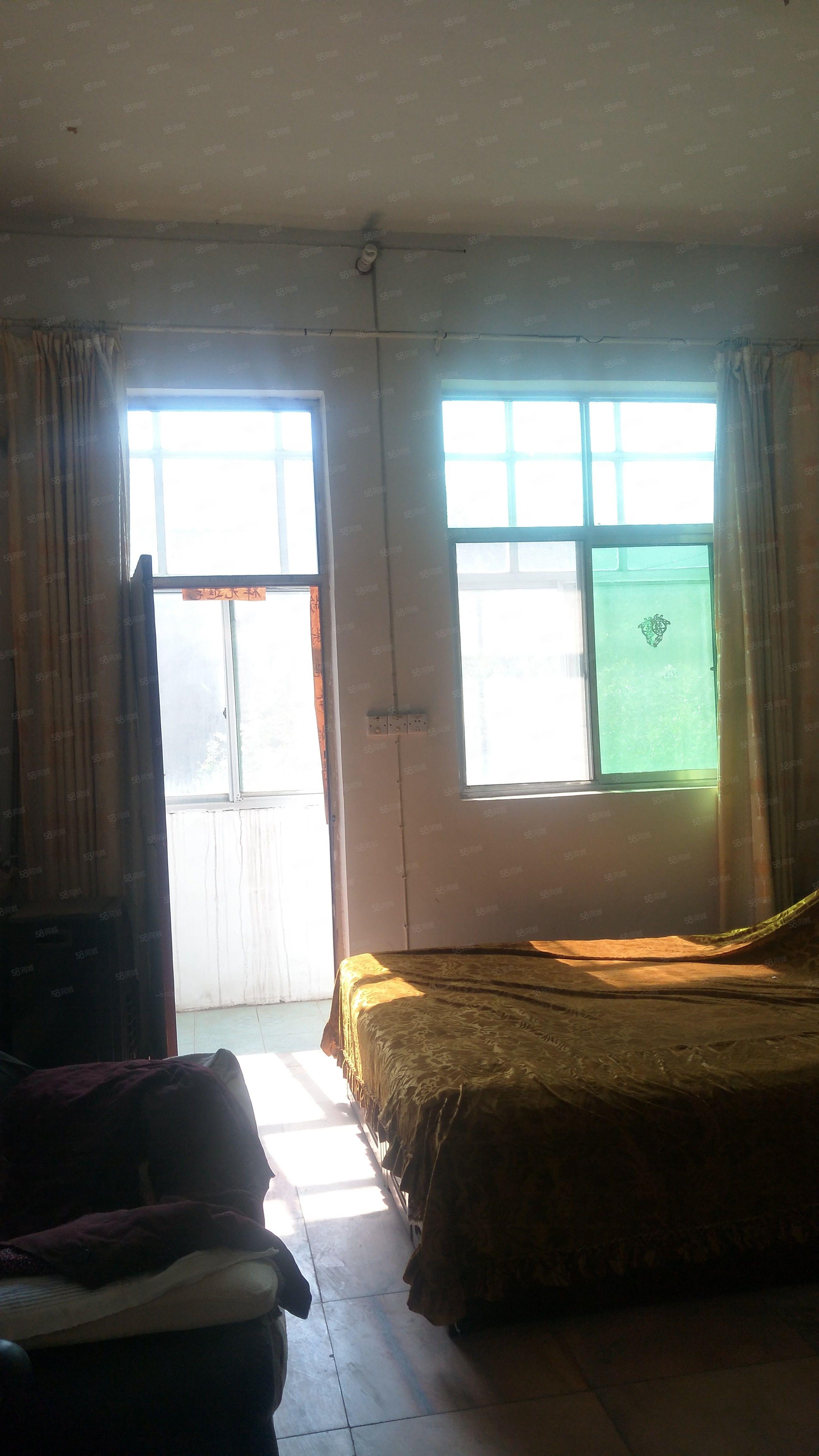 独院有证可过户分期三室两厅一厨两卫简装修