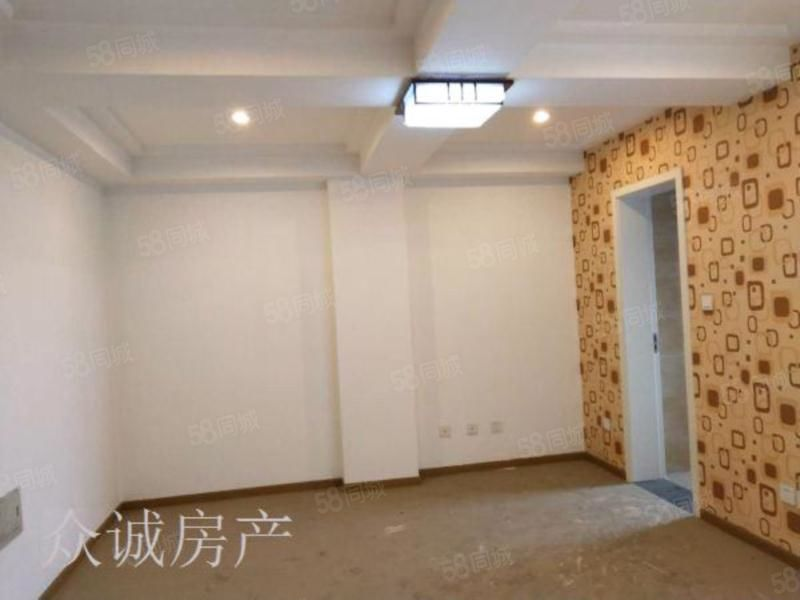 单价六千泉阳光叠中装修家具家电齐全,物美价廉,随时看房,