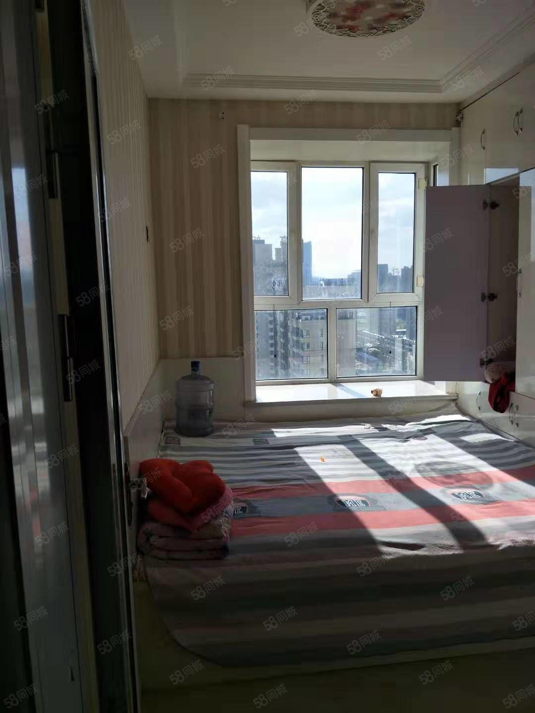 桃园小区小区,163平米,高新一小房售,96万
