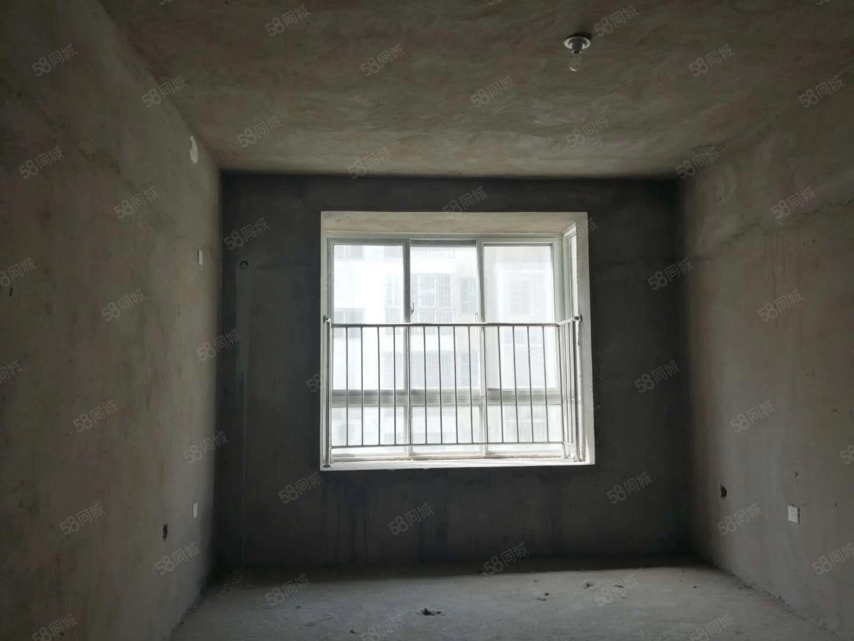 急售龙润有证可按揭随时过户毛坯三室电梯中层采光耀眼南北通透