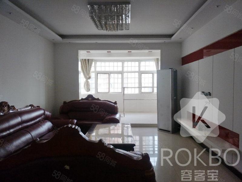 25万滨江国际有证满两年精装大三房可按揭可随时看房