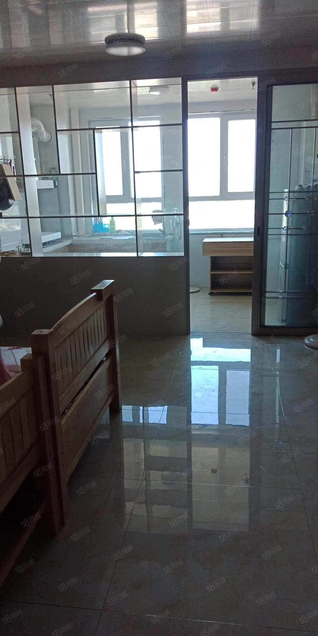 惠友公寓,1室1厅1卫可办公,可自住拎包入住。