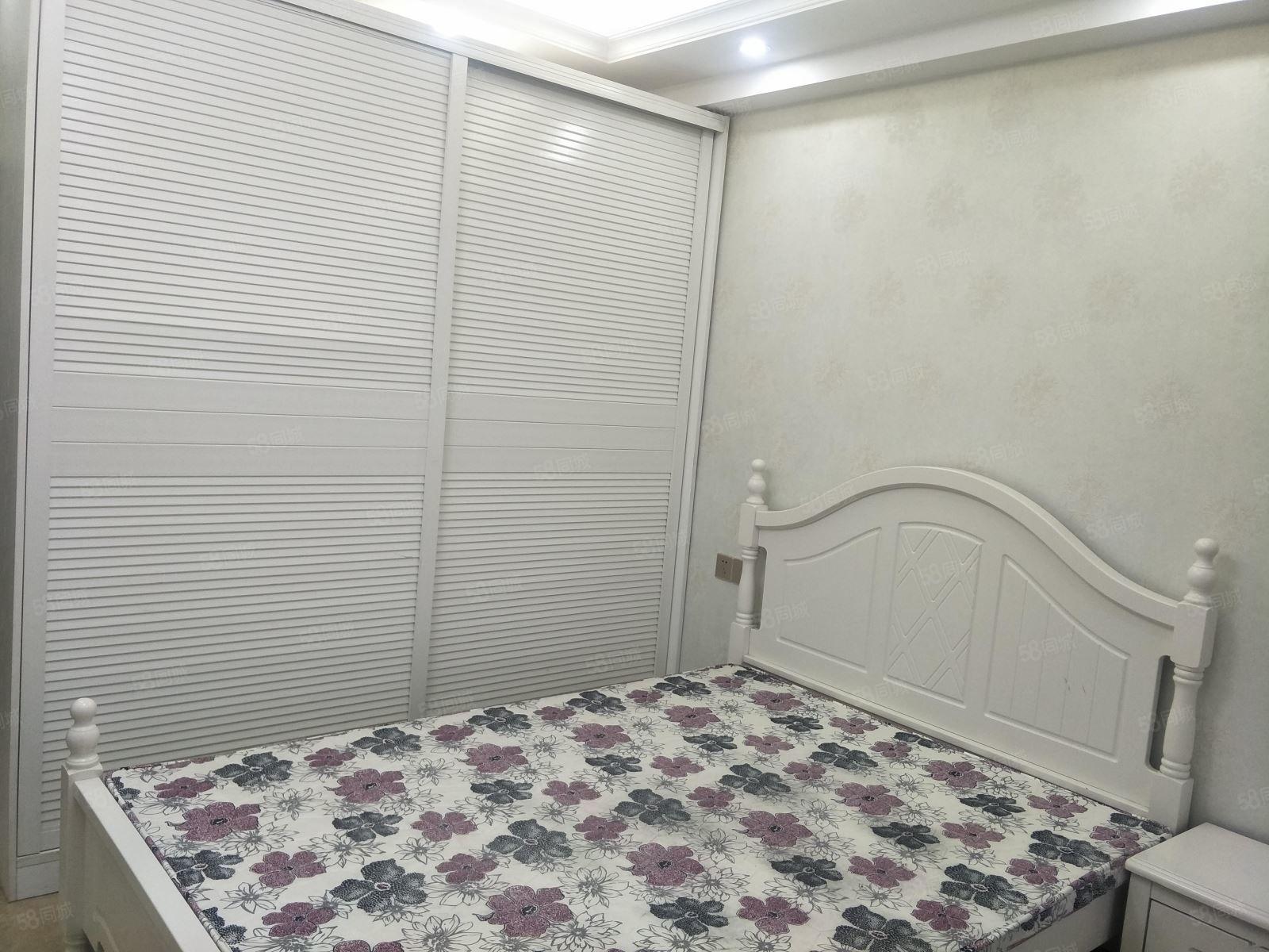 万象汇佳乐世纪城江景精装公寓一室拎包入住,看房方便